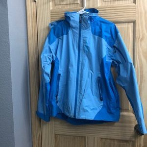 EUC LL Bean Raincoat/Shell with Hood